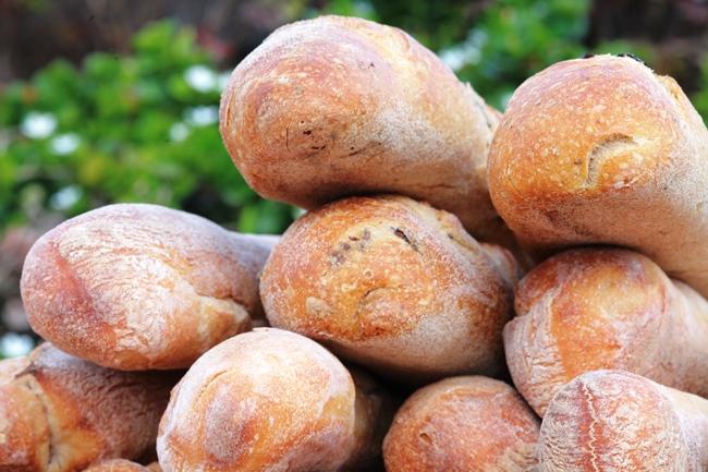 לחם זיתים קלמטה 550 גרם